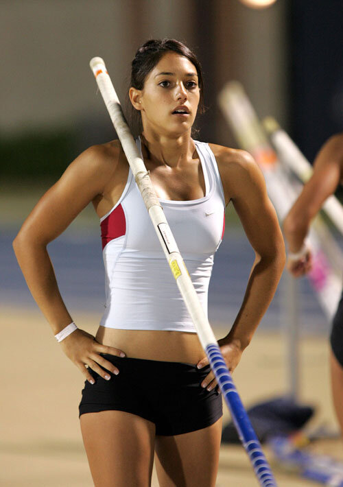 female-athletes-pole-vaulter-allison-stokke__iphone_640